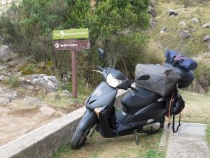 """A Lead enfrentou com tranquilidade o """"no-road"""" para chegar nos 2.350 metros de altitude e estacionar na porta do Abrigo Rebouças, no Parque Nacional do Itatiaia - onde apenas é possível chegar caminhando. Foto: Alexandre Dupont."""