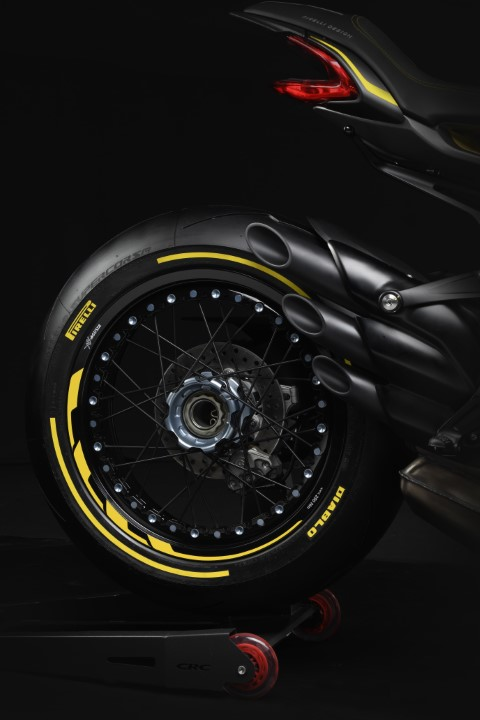 DRAGSTER 800 RR PIRELLI (11)